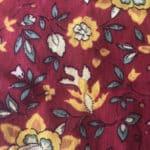 Fleurs or et tissu Rouge